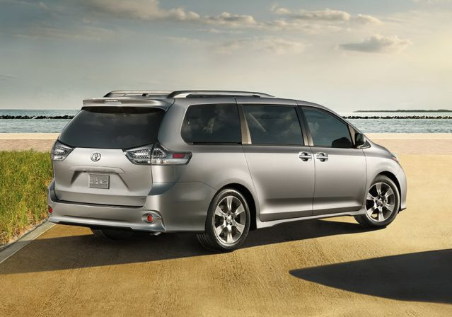 The Toyota Sienna Is Back For 2017 And It Better Than Ever This Best Ing Minivan Comfortable Versatile Tech Savvy Fun To Drive